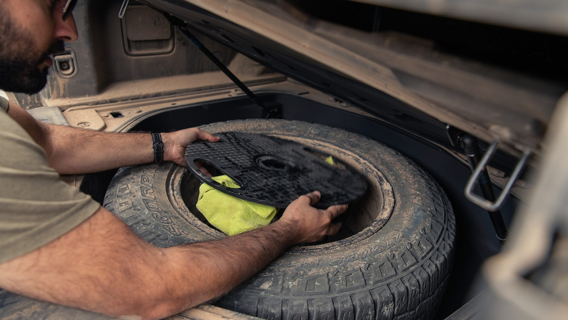 2022-Rivian-R1T-Spare-Tire-Explained-6.jpg